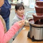 チョコレートが不足してくると、途切れてしまい穴が空いたようになります